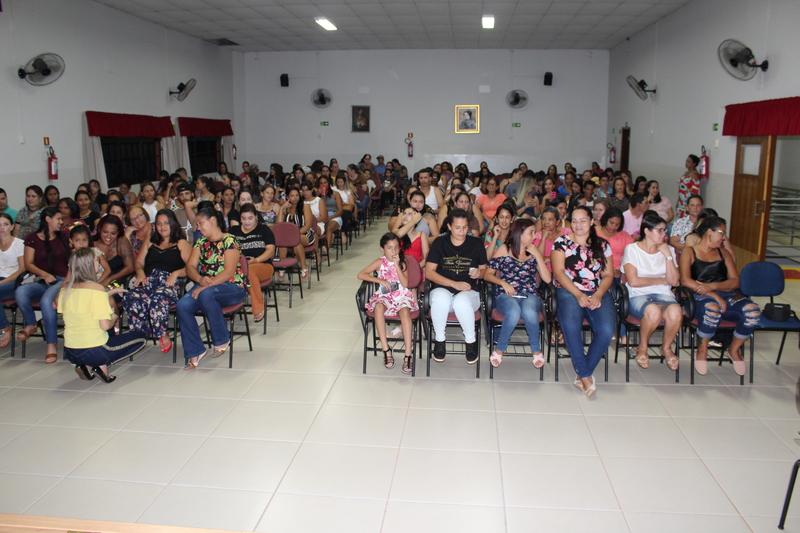 Homenagem às mães na Escola Social Clélia Merloni teve sabor de Gratidão!