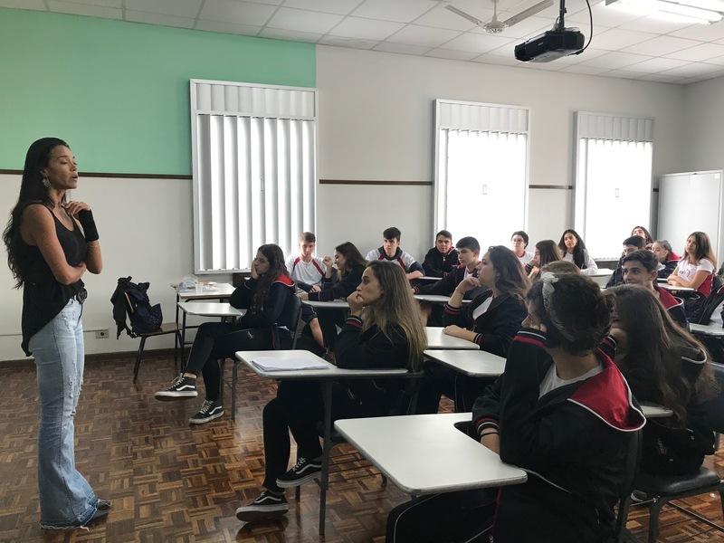 Educandos da 1ª e 2ª série do Ensino Médio participam de projeto de Orientação Profissional