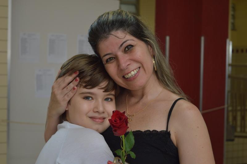 Na véspera do seu dia, Mães são homenageadas no Colégio Coração