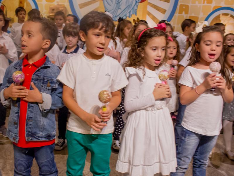 Comunidade Educacional Escola São Domingos realiza Celebração em Homenagem às Mães