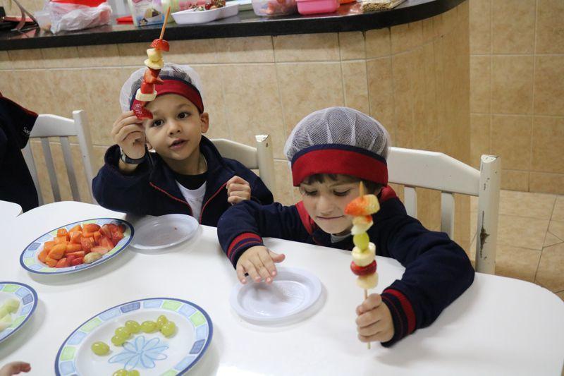 Comer, comer é o melhor para poder crescer...