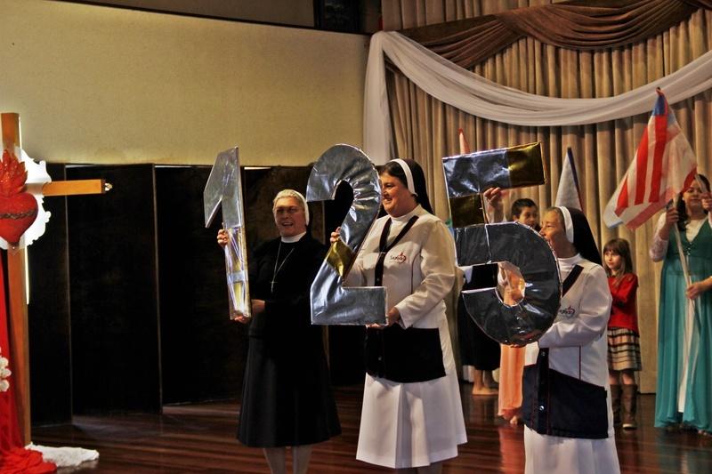 125 do Instituto das Apóstolas do Sagrado Coração de Jesus é comemorado com apresentação artística no Colégio Sagrado, em Curitiba