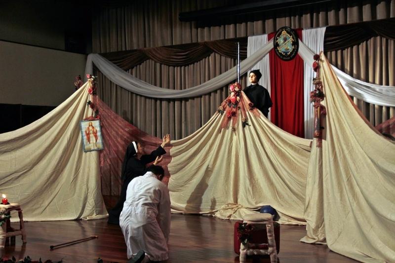 """Espetáculo """"A Chama Sagrada"""", do Grupo Teatral Chafariz, emociona educandos, educadores, famílias e Irmãs do SAGRADO – Rede de Educação"""