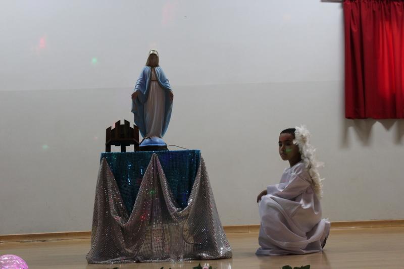 Homenagem à Mãezinha do céu por ocasião do encerramento do mês de maio.