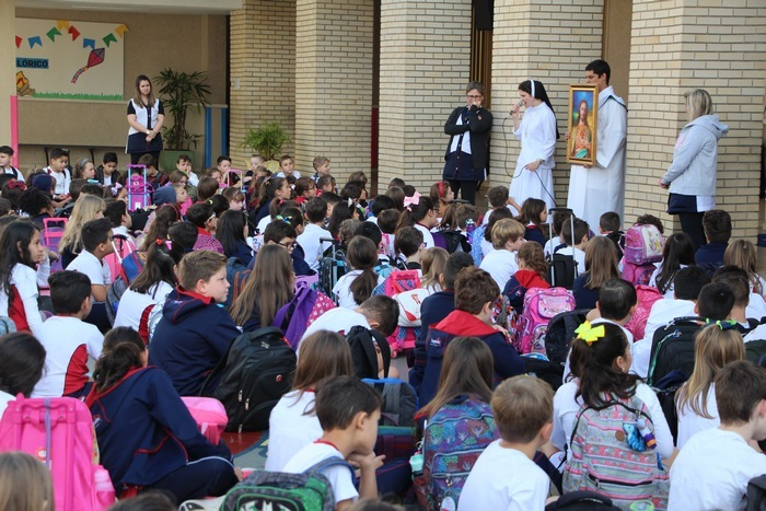 Colégio Imaculada recebe visita do Ícone do Sagrado Coração de Jesus