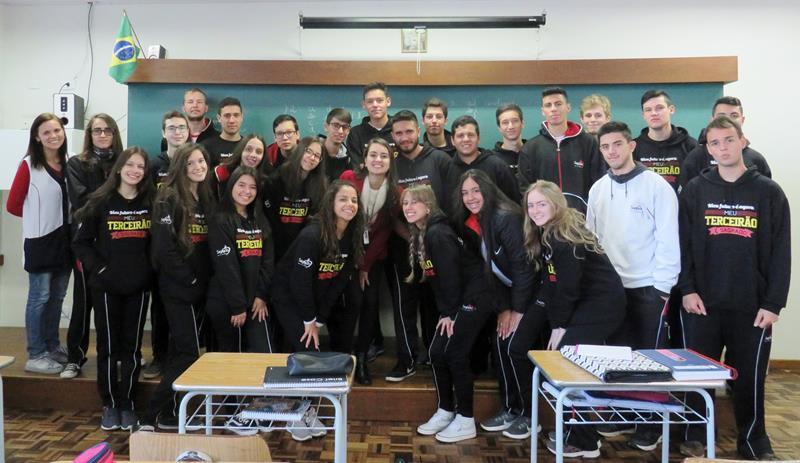 Educandos do Ensino Médio do SAGRADO PG participam de programa de aconselhamento profissional