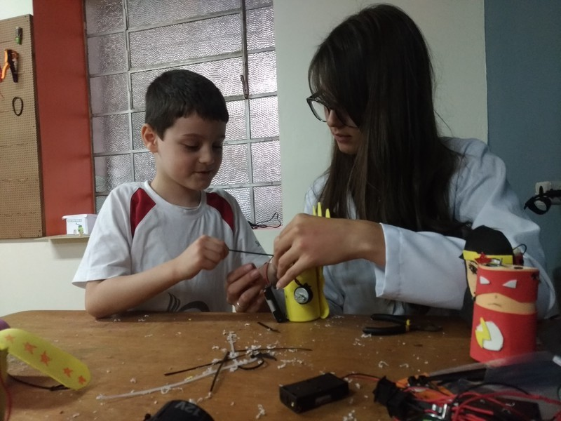 Turmas do Período Integral finalizam seus projetos semestrais de Robótica