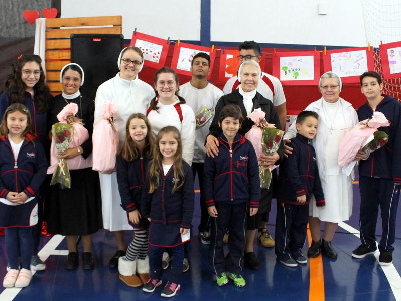 Unidade Educacional Escola São Domingos celebra o Sagrado Coração de Jesus