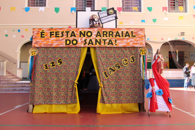 É Festa no Arraial do Santa!