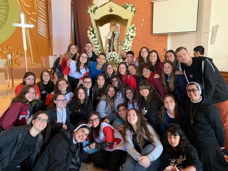Jovens do Colégio Social Madre Clélia participam da Missão Juvenil Cleliana 2019