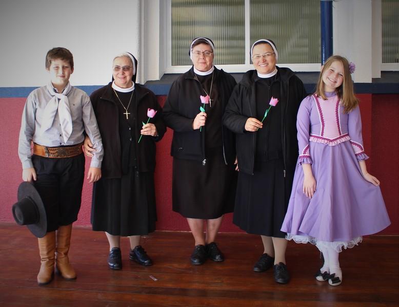 As Conselheiras Gerais do Instituto das Apóstolas do Sagrado Coração de Jesus visitam Torres