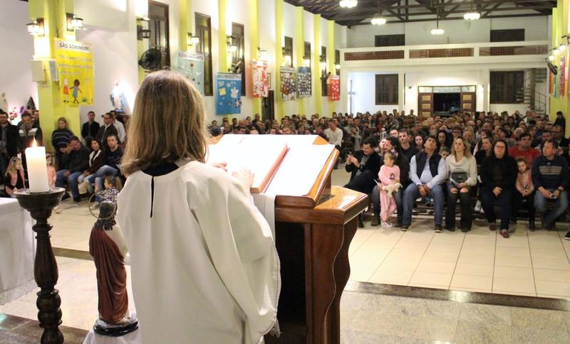 Unidade Educacional Escola São Domingos realiza Celebração em Ação de Graças pela vida dos pais
