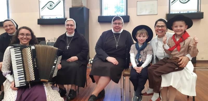 Irmãs Apóstolas conhecem Unidade Educacional de Bento Gonçalves