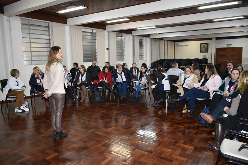 Colégio Sagrado BG realiza formações em torno da Disciplina Positiva