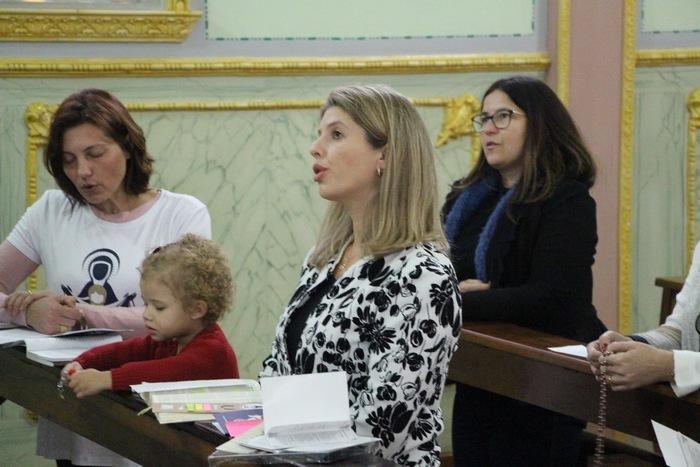 Grupo de Mães que Oram pelos Filhos se encontra semanalmente na Capela do Colégio