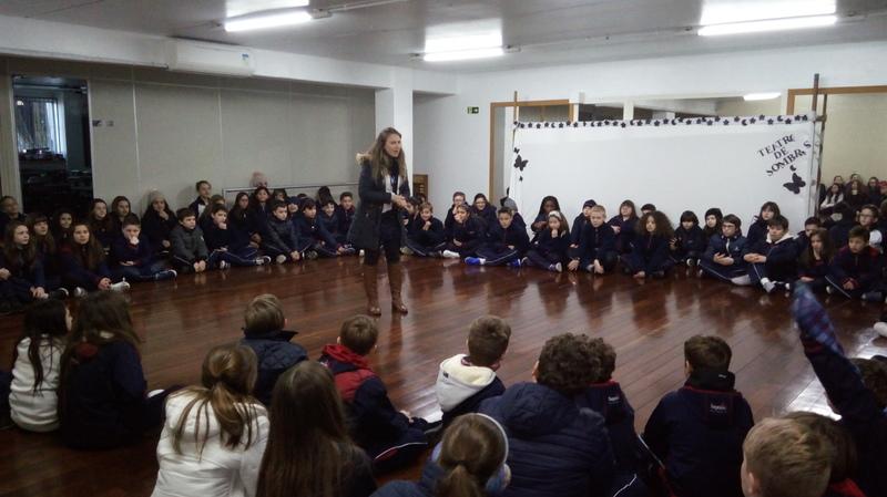 Educandos dos 5ºs anos da Unidade Educacional Escola São Domingos visitam os Colegas da Unidade Educacional Sagrado Coração de Jesus em Bento Gonçalves