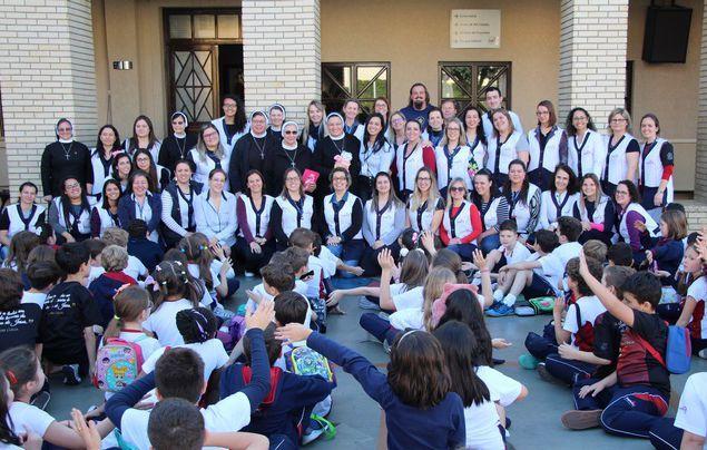 Conselheiras Gerais visitam primeira Missão do IASCJ no Brasil