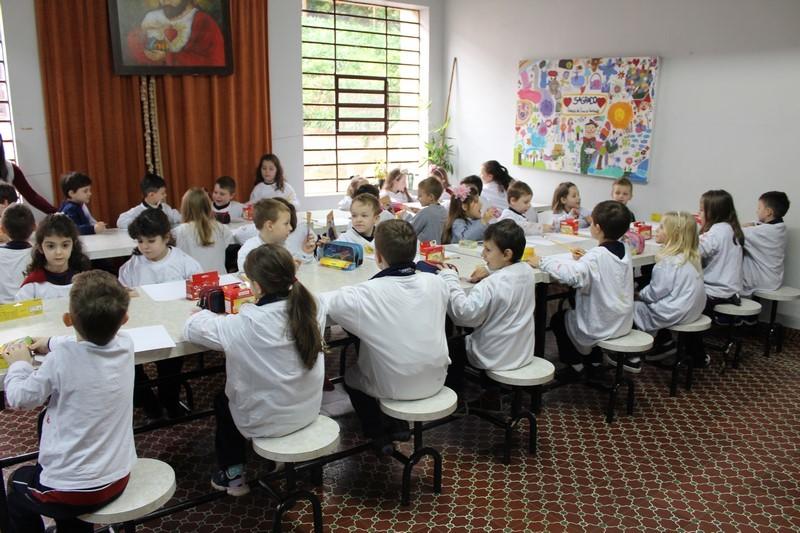 """Crianças fazem releitura da Obra """"O Grito"""" de Edvard Munch"""