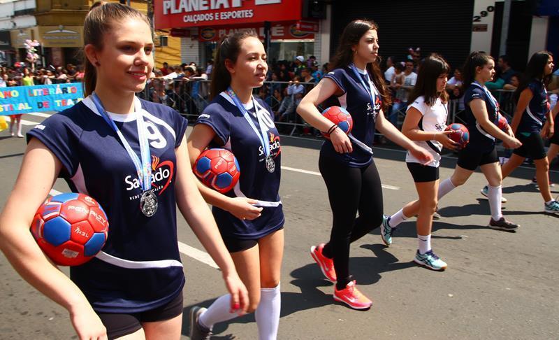 Atletas do SAGRADO PG participam do 64º Jogos Estudantis da Primavera