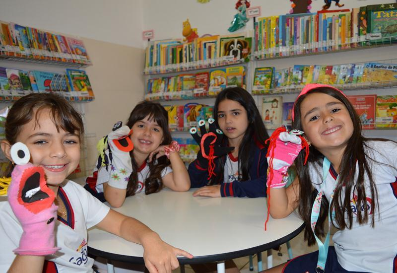 "1º ano - Os Fantoches do ""Domador de Monstros"""