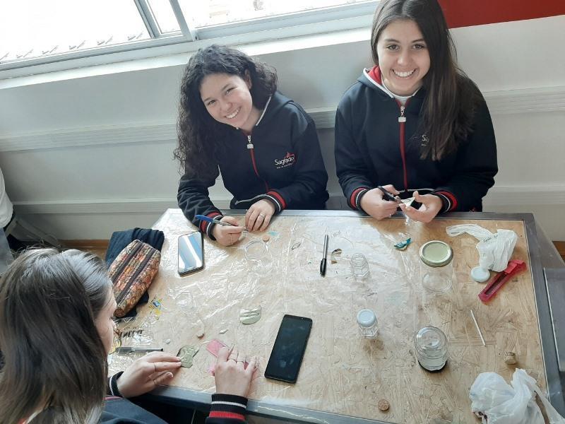 Educandos das 1ªs séries EM constroem bússola a partir dos estudos sobre a exploração dos oceanos