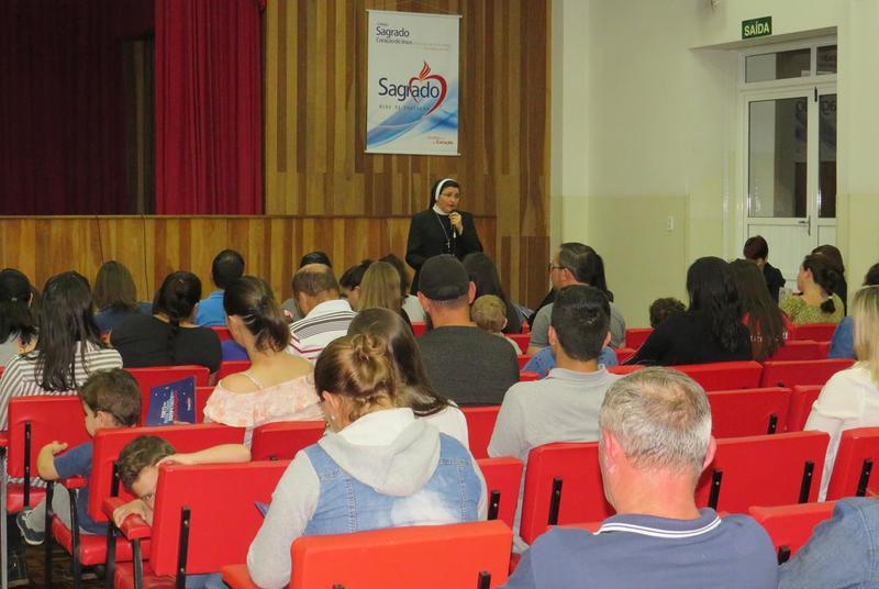 SAGRADO PG realiza Reunião de Pais Novos