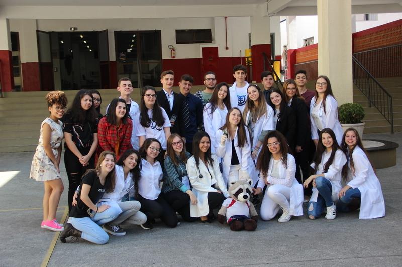 Educandos são aprovados em vestibulares de Curitiba: 1º lugar em Pedagogia em duas Universidades é SAGRADO!