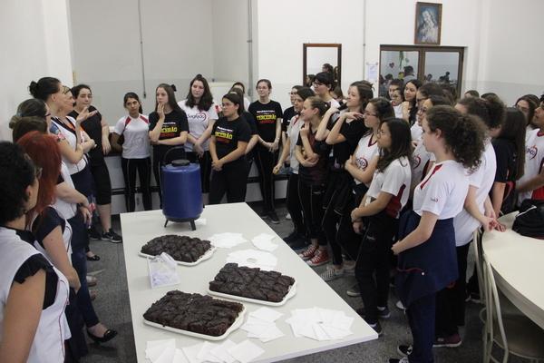 Educandos do Curso de Formação de Docentes celebram o Dia do Normalista