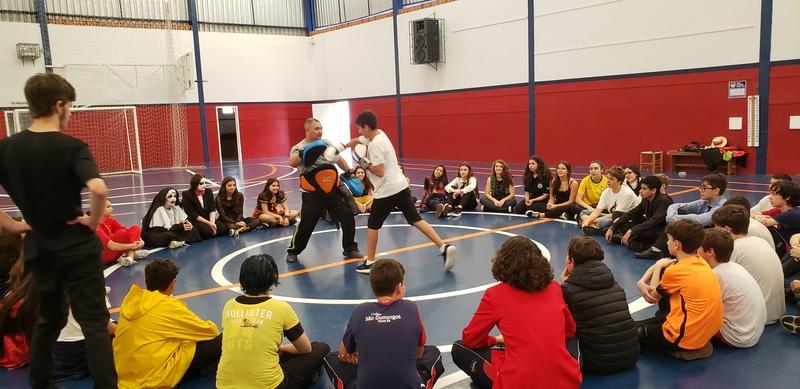 Muay Thai nas aulas de Educação Física
