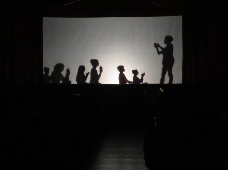 I Festival de Teatro Sagrado: educandos do 3º ao 7º ano do Ensino Fundamental apresentam Teatros de Sombras e encantam o público