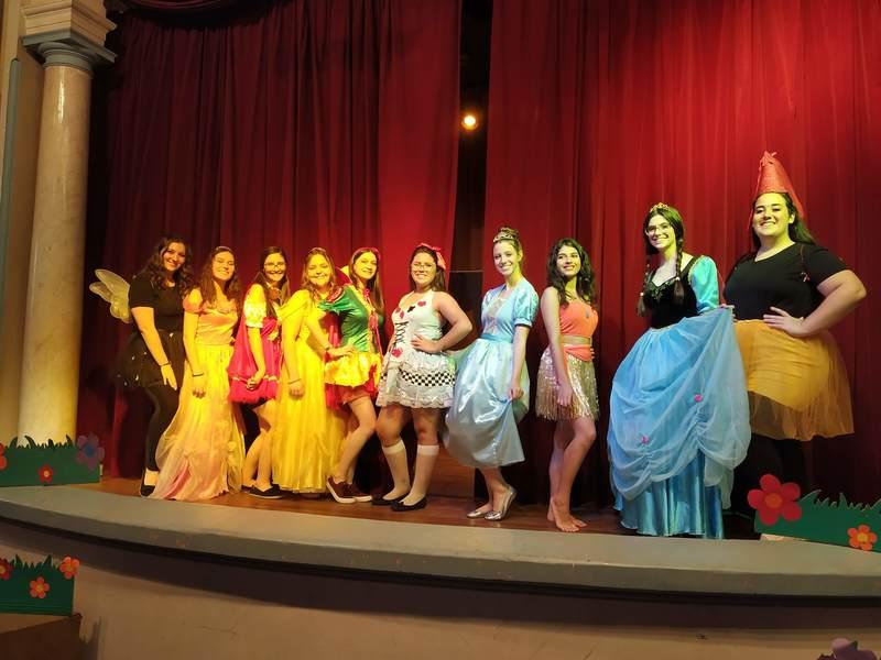 3ª série do Curso de Formação de Docentes apresenta teatro inspirado nos contos de fadas