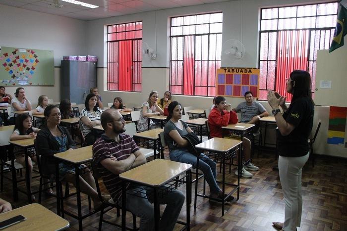 Colégio Imaculada abre as portas para os pais na primeira reunião do ano