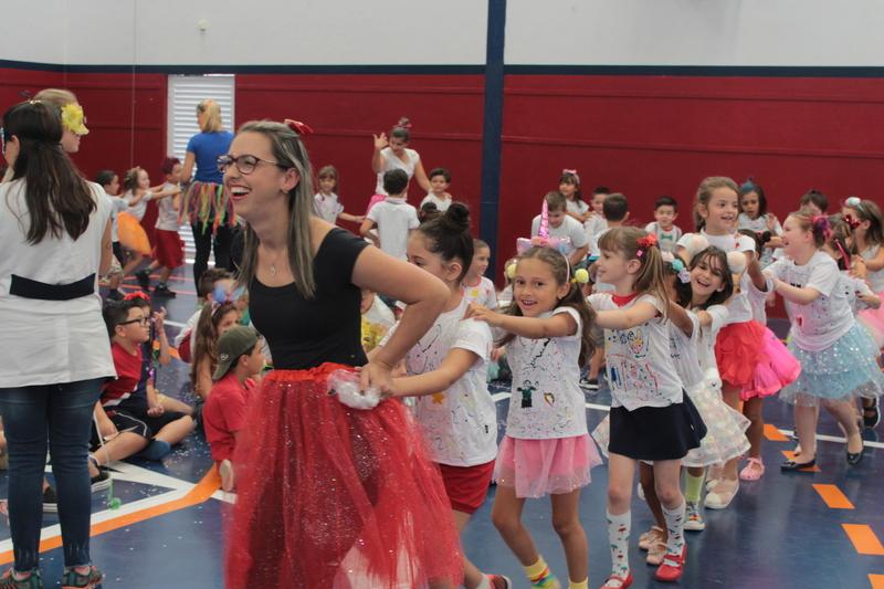 O Carnaval chegou na Escola São Domingos
