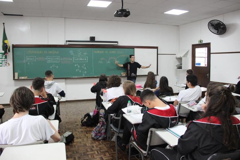 De olho no futuro, educandos do SAGRADO Pré-Vestibular iniciam as aulas, em Curitiba