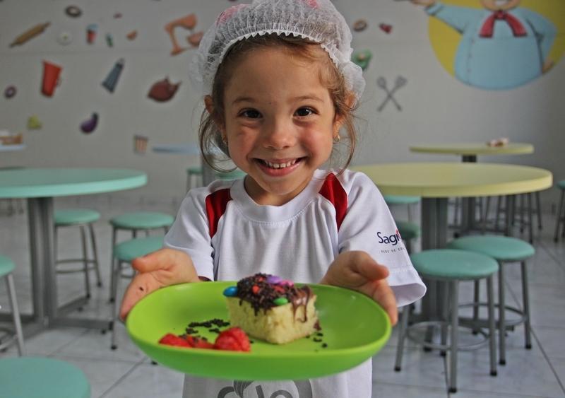 Leitura Saborosa: durante culinária, crianças do Infantil IV descobrem o sabor e o encanto que há nos livros