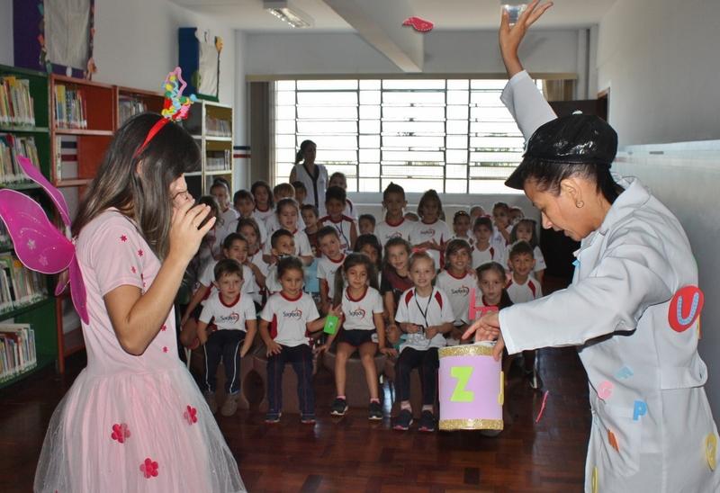 O ENCANTO ATRAVÉS DAS PALAVRAS: atividades despertam o interesse da leitura e escrita nos educandos dos 1ºs anos