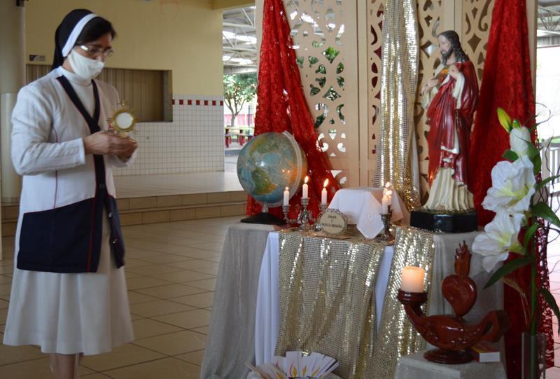 Celebrando o Amor do Sagrado Coração