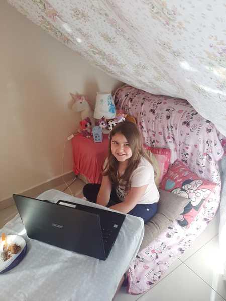 #SagradoEmCasa - Cabana, cobertor e aula: turmas do 2º ano aprendem Geografia de um jeito divertido