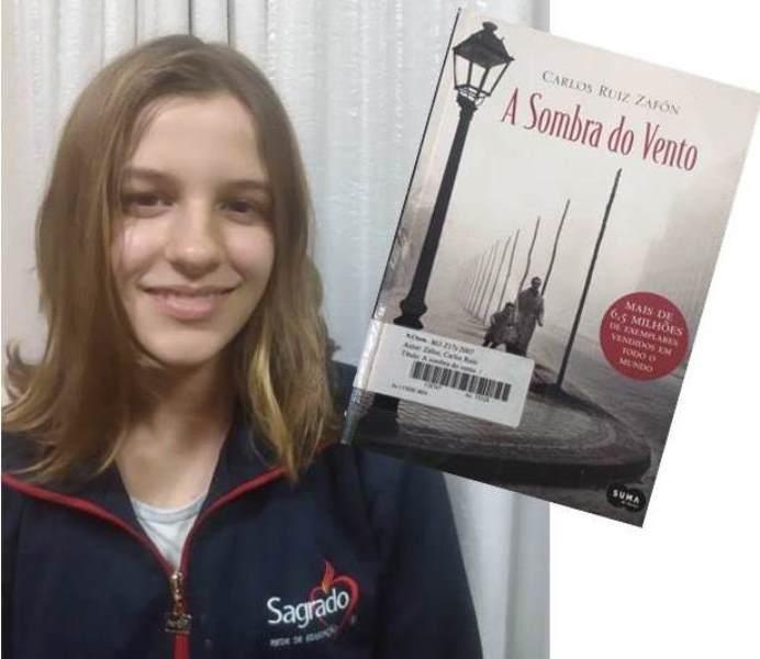 """Eu Recomendo"" pela educanda Giulia Troian Cainelli"
