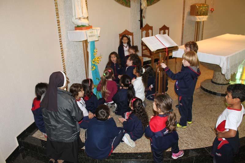 Pérolas do Madre - Crianças em oração