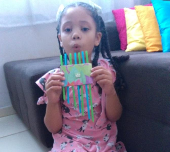 #SagradoEmCasa - Crianças Produzem Instrumentos Musicais com Material Reciclável