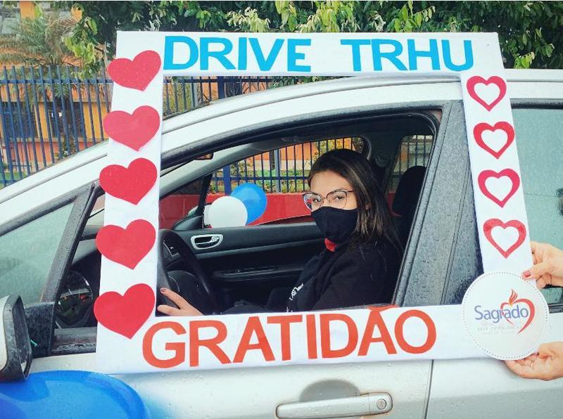 Drive Thru da Gratidão na Unidade Educacional de Florestópolis