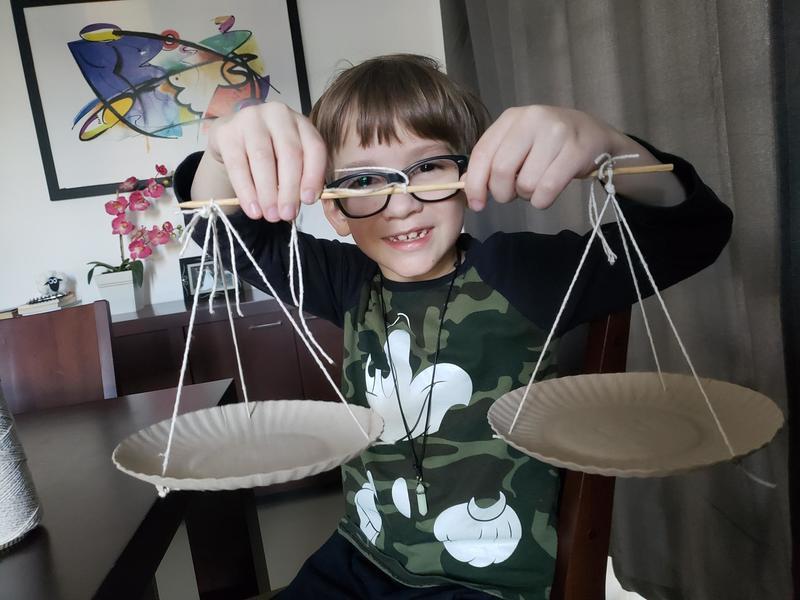 #SagradoEmCasa – Educandos constroem balança para aprofundar conhecimentos de Matemática