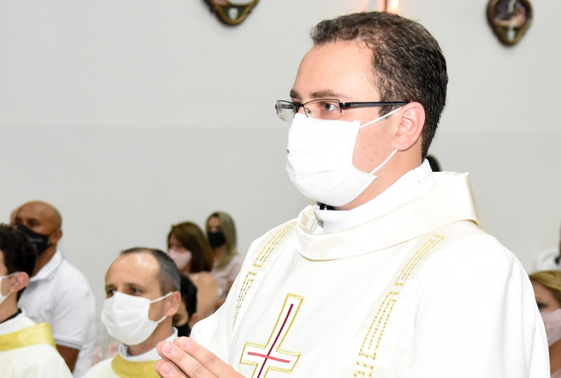 """Parabéns pela Ordenação – Gratidão pelo """"Sim"""" de Padre José Antônio Pontes"""