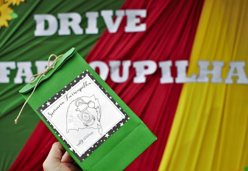 Drive-Thru Farroupilha: Educação Infantil e Ensino Fundamental I comemoram esta data tão importante para os gaúchos com um Drive PRA LÁ DE ESPECIAL, TCHÊ!