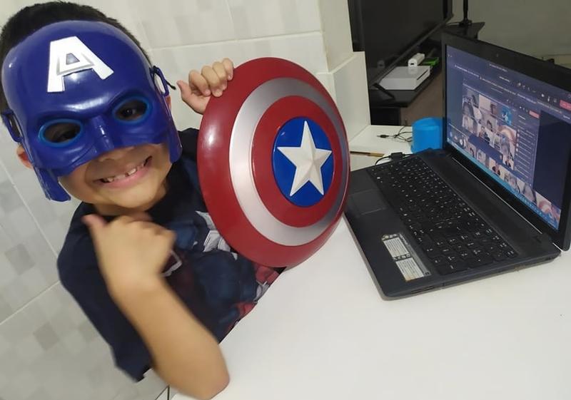 Live Especial Dia das Crianças: 2º ano 1 participa de Festa à Fantasia Virtual