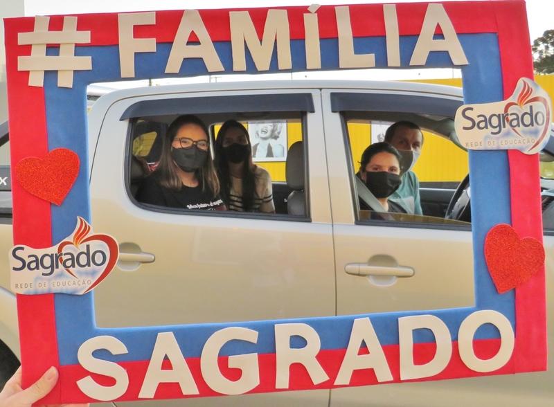 SAGRADO PG realiza o Encontro das Famílias da 2ª e 3ª série do EM e o lançamento da Campanha de Matrículas 2021 no formato Cine Drive-In