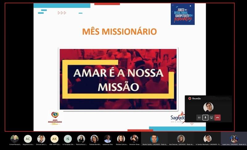 Pastoral Escolar realiza formação sobre o Mês Missionário com a Equipe de Serviços