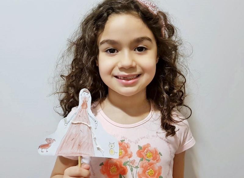 SAGRADO EM CASA: após estudos, educandos dos 2ºs anos confeccionam palitoches de São Francisco de Assis