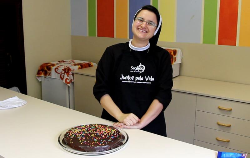 Bolo da Madre: Pastoral Escolar realiza intervenção diferenciada para celebrar o aniversário de Madre Clélia